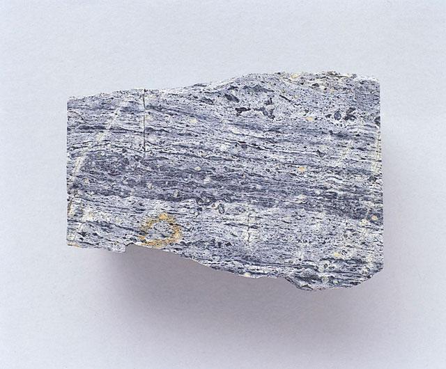 流紋岩(りゅうもんがん)